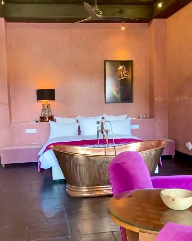 A quick spin around one of our pink rooms that overlooks the main swimming pool. Aren't all the best rooms pink.....?